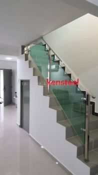 Stainless Steel Glass Staircase 76