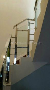 Glass staircase 41