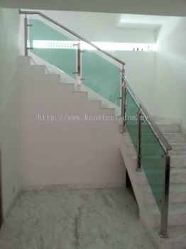 Glass staircase 61