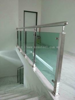 Glass staircase 62