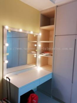 Dressing table with light