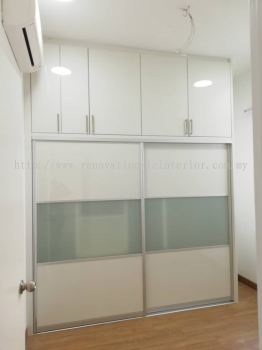Full height wardrobe with frosted glass sliding door