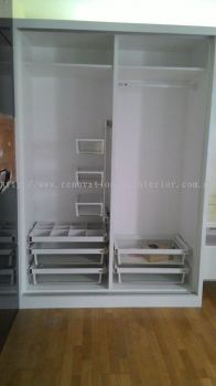 WARDROBE COMPARTMENT WITH ACCESSORIES