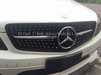 MERCEDES BENZ W204 2008-2013 DIAMOND LOOK FRONT GRILLE