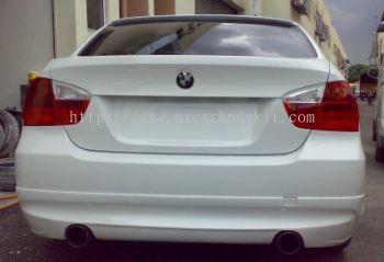 BMW E90 2005 LUMMA STYLE REAR SKIRT