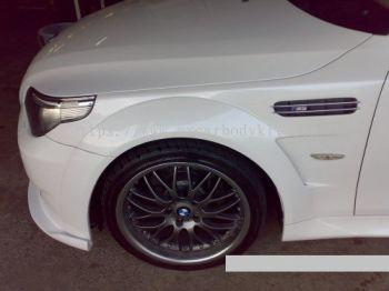 BMW E60 J-EMOTION DESIGN FRONT FENDER