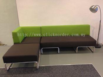 Range series sofa - 5 Pax
