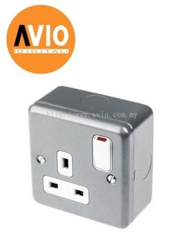 MCSS-131 13A x 1 Gang Metal Clad Switched Socket Outlet
