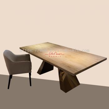 Nuvalato   Italy   8 Seaters   Dining Table only