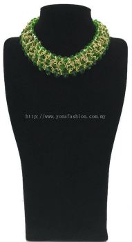 Grand Triple Lid Small Beads Necklace (Green)