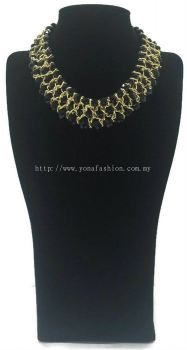 Grand Triple Lid Small Beads Necklace (Black)