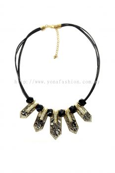 Yona Fashion 5 Arrow Stone Necklace