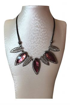 Leaf Stone Pendant Necklace (Red)