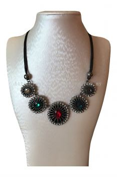 Circle Alloy Stone Necklace(Red&Green)