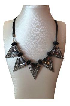 Triangle Stone Necklace(Grey)
