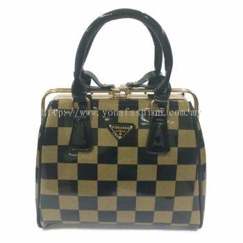 Yona Fashion Glossy Hard Handbag (Green Black)