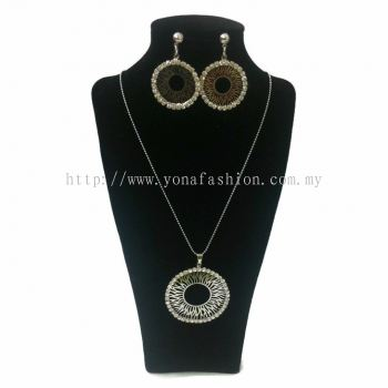 Yona Fashion 2 in 1 Necklace Earring Set(Donut)