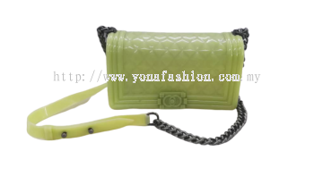 ELEGANT SILICONE JELLY CROSSBODY QUILTED SLING BAG WITH CHAIN STRAP