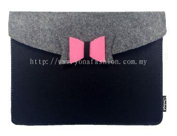 Felt I-Pad Cover (Black + Grey)