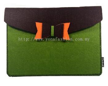 Felt I-Pad Cover (Green + Brown)