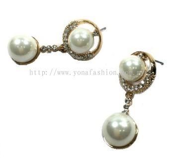 Pearl Stone Earring (White)