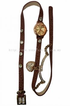 Ladies Designer PU Leather Strap Bracelet Love Shape RhineStone Wrist Watch (Brown)