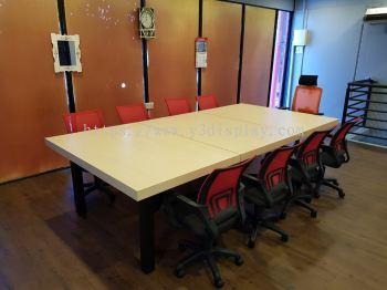Oppa Meeting Table
