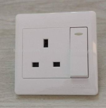 SIMON 51382 50 SERIES 13A 1GANG FLAT PIN SWITCHED SOCKET C/W INDICATOR FULL WHITE
