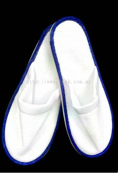 HOTEL SLIPPER WITH BLUE LINE-FABRIC