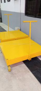 Fabrication Trolley with Roller