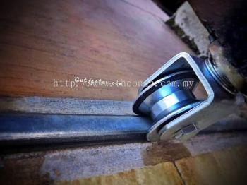 Repair autogate wheel bearing