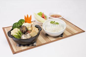 ɳ�Һ��ʶ��� Claypot Seafood ToFu