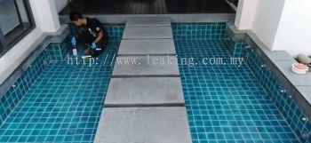 Transparent waterproof coating
