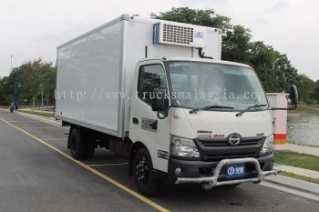HINO WU720R REFRIGERATED BOX 16FT BDM5000KG