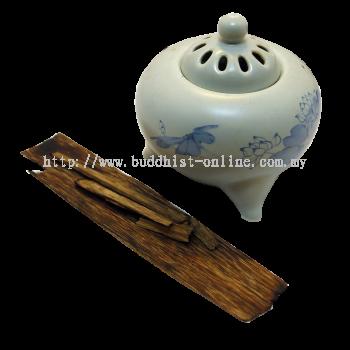 越南 . 惠安沉香木片(不含香爐)(E0425)