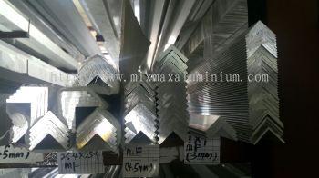 ALUMINIUM EQUAL ANGLE BAR 25.4mm x 25.4mm x 4.5mm(T) x 6.1M(L