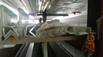 ALUMINIUM EQUAL ANGLE BAR 9.53mm x 9.53mm x 0.8mm(T) x 6.1M(L)