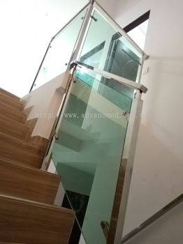 Square Hollow Stainless Steel Staircase With 12mm Tempered Glass