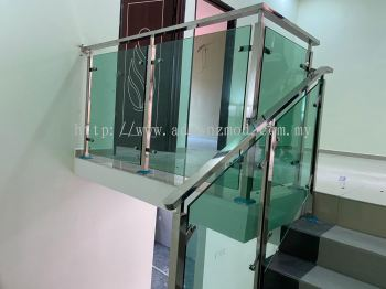 Stainless Steel Staircase With 12mm Tempered Glass