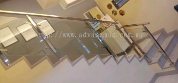 Stainless Steel Staircase Glass Railing With 12mm Tempered Clear Glass