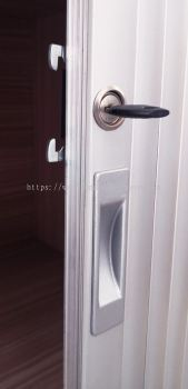 Roller Shuttle Lock and handle