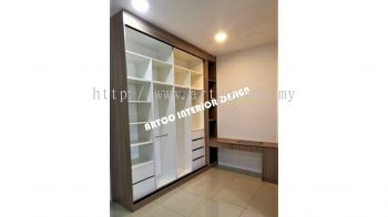 Wardrobe & Dressing Table With Soft Close Pull Out Decorations