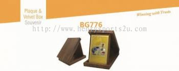 BG776 Plaque & Velvet Box Souvenir