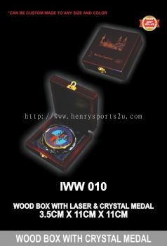 IWW 010 WOOD BOX WITH CRYSTAL MEDAL