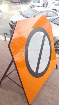 engineering grade road sign