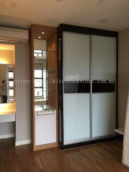 SL7 - Wardrobe & Display Cabinet