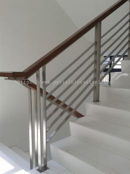 Stainless Steel Staircase Handrail With Wood