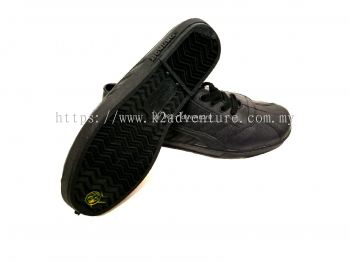 KAMPUNG ADIDAS RUBBER SHOES BLACK (LACE)