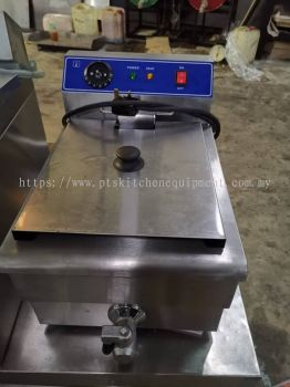 Use electrical deep fryer