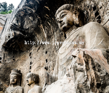 Renowned Buddhist grottoes in central China reopens